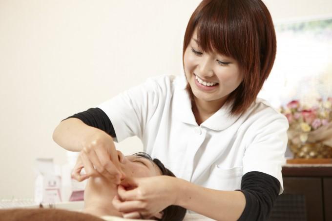 鍼灸科コラム 『鍼灸師になるには』 by齊藤先生 | 神戸医療福祉専門学校